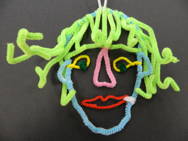 Family activity – wire portraits